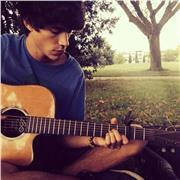 Professeur de guitare autodidacte, niveau débutant et intermédiaire
