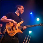 Bassiste diplômé (MIMA et DEM) donne cours particuliers sur Chambéry, tous âges, tous niveaux