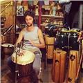 Ritmos afro y latinoamoricanos, entrenamiento rítmico integral, percusión corporal. (djembé, bombo legüero, congas, bongó, cajón peruano, accesorios)