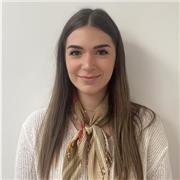Étudiante en 2ème année de licence de marketing et management (IAE Lyon)