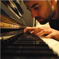 Profesor de piano clásico y jazz. lenguaje musical y harmonia moderna
