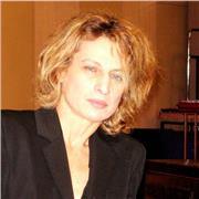Professeur diplomée en piano, écriture, composition. Spécialisation en direction d'orchestre.Expérience confirmée