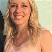 Cours particuliers - Jeune femme titulaire d'un master MEEF mention Professorat des Ecoles
