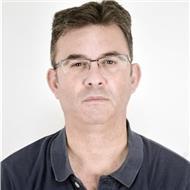 Profesor de informática diplomado universitario, con más de 20 años de experiencia laboral y docente (clases personalizadas y grupos)