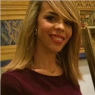 Licenciada en traduccion y interpretación francès, inglès, arabe y especialista en traducción español-arabe