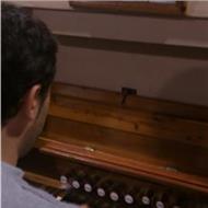 Profesor de piano , grado medio..para inicio, básico y medio medio-alto