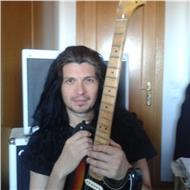 Profesor y guitarrista con muchos años de experiencia pedagógica imparte nuevo curso
