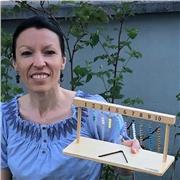 Enseignante indépendante, formée à la pédagogie Montessori, donne des cours de maths et de francais