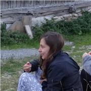 Etudiante à Science Po Grenoble, toujours disponible pour aider, partager ses connaissances avec rire et sérieux