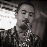 Clases particulares: piano, saxofón, bajo, guitarra eléctrica, teórico-práctico
