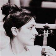 Diplômée du CNSMD de Lyon et professeur, je vous propose des cours de violon adaptés à votre projet musical !