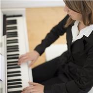 Clases de piano a todos los niveles y edades en castellano y inglés