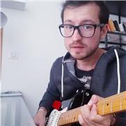 Guitariste électrique pro avec plus de dix ans d'expérience - cours adressés à des élèves de tous niveaux