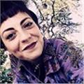 Ragazza di 29 anni laureata in scienze umanistiche per la comunicazione, amante della letteratura e della lingua italiana, ama e desidera trasmettere il suo sapere alle nuove generazioni