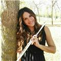 Me dedico al campo de la música desde que tenia 7 años. soy una profesora titulada con mas de diez años de experiencia impartiendo clases de música a personas de todas las edades, de lenguaje musical, flauta