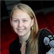 Classes de economía, inglés y ruso con profesora con experiencia