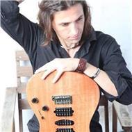 Titulado superior guitarra jazz y moderna (esmuc) da clases particulares