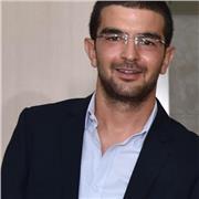 Ingénieur électrique et diplômé en musique arabe