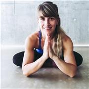 Professeur de Yoga Vinyasa propose cours individuels ou collectifs à Lyon et ses environs