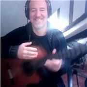 Musicien professionnel et professeur de musique donne cours de Guitare , de Violon et d'Alto !