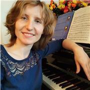 Pianiste russe, concertiste, professeur du Conservatoire, propose les cours de Piano