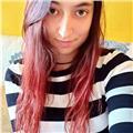 Chica joven universitaria cuya lengua materna es el valenciano
