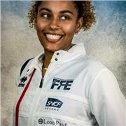 Membre de l'équipe de France d'Escrime en préparation pour les Jeux Olympiques donne des cours de renforcement musculaire, fitness