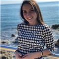 Laureata in lingue straniere impartisce lezioni di ripetizioni in lingua spagnola, francese e inglese e aiuto con lo studio di italiano e storia