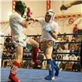 Entrenador de kick boxing y muay thai para todas las edades
