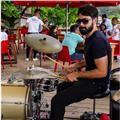 Músico de sesión y profesor de batería, con 10 años de años de experiencia en la docencia especializado en las cátedras de: ejecución instrumental (batería), ensamble, armonía y audio perceptiva.  digirido a todo los niveles (principiante, iniciado y avan