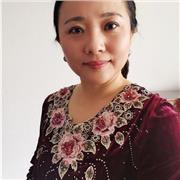 Présentatrice de journal télévisé donne cours de chinois en mandarin standard et au top niveau