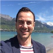 Professeur de Hatha Yoga, je propose des cours individuels ou en groupe dans la région d'Annecy (74) ou en ligne avec SKYPE