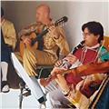 Profesor y concertists imparte clases de guitarra a todos los niveles y todos los estilos
