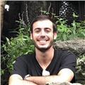 Graduado en universidad suiza, bilingüe en ingles (c2), con vivencias internacionales, da clases de ingles en granada