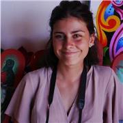 Etudiante française en Espagne, à l'aise dans la plupart des matières