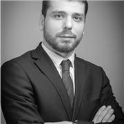 Juriste au sein d'un cabinet d'avocats spécialisé en droit des sociétés, je donne cours de droit (toutes matières)
