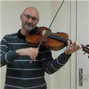 Professeur en Conservatoire à Rayonnement Régional propose des cours particuliers de violon ou alto pour élèves débutants ou plus avancés