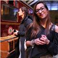 Studentessa laureata in comunicazione linguistica ed interculturale (inglese e tedesco) impartisce lezioni di inglese, tedesco, spagnolo e italiano