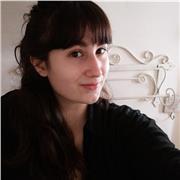 Je suis étudiante à l' IESM d'Aix-en-Provence, diplômée du conservatoire et poursuivant mes études afin d'avoir mon diplôme de professeur. J'enseigne depuis maintenant 2 ans à tous types d'élèves et j'aime transmettre ma passion