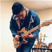 Professeur de msuque (guitare, batterie, guitarre bass)