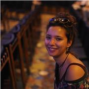 Elève-avocate donne cours de soutien scolaire ou aide aux devoirs à Paris