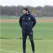 Educateur diplômé du Brevet de Moniteur Football (Carte Pro) Je vous propose des séances football aux alentours de La Rochelle et