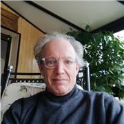 Professeur de piano bilingue fr /en dispense des cours à distance. Longue expérience à l'international