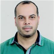 Professeur de sciences economiques et de gestion (je peux enseigner l'arabe, c'est ma langue maternelle)