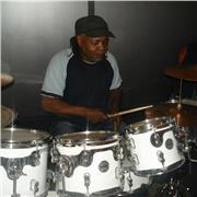 Musicien batteure depuis 1980 Auteur,composituer,interprète