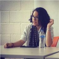 Profesora de filosofía, ciencias sociales y literatura