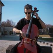 Violoncelliste italien diplômée offre des cours de violoncelle à Paris (cours en anglais, français ou italien)