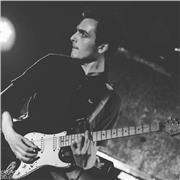 Musicien professionnel propose cours de guitares particulier à Marseille.   Niveau débutant / intermédiaire tout styles confondus
