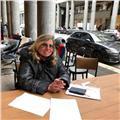 Laureata in lettere impartisce accurate lezioni di italiano, storia e geografia