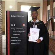 Jeune diplômé avec une vraie passion pour l'enseignement et un excellent niveau d'anglais cherche poste de professeur d'anglais